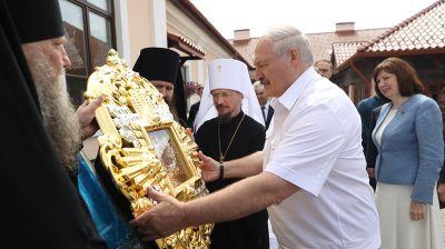 Лукашенко: Жировичский монастырь - святыня для верующих со всего мира