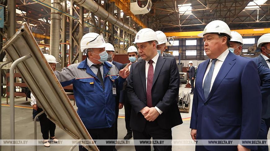 Головченко посетил Локомотивный завод в Нур-Султане