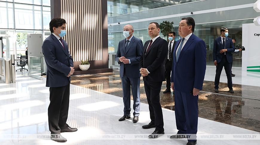 """Головченко посетил международный финансовый центр """"Астана"""""""