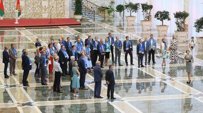 """Работники """"Беларуськалия"""" побывали во Дворце Независимости"""