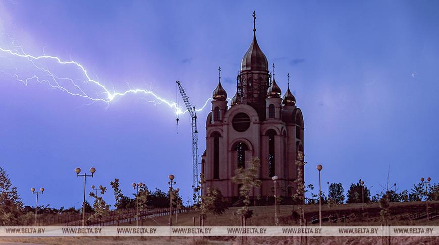 Оранжевый уровень опасности объявлен по юго-западу Беларуси из-за гроз