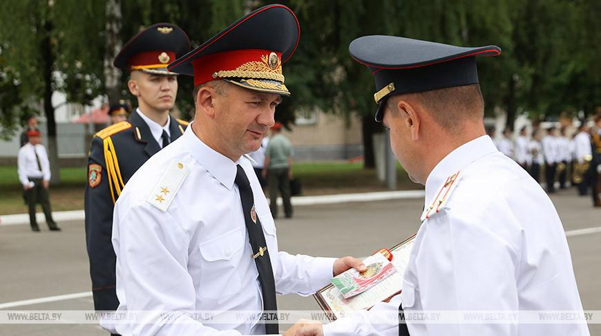 Кубраков вручил сотрудникам милиции и военнослужащим госнаграды и погоны полковника