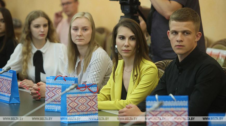Караник встретился с молодыми специалистами Гродненской области