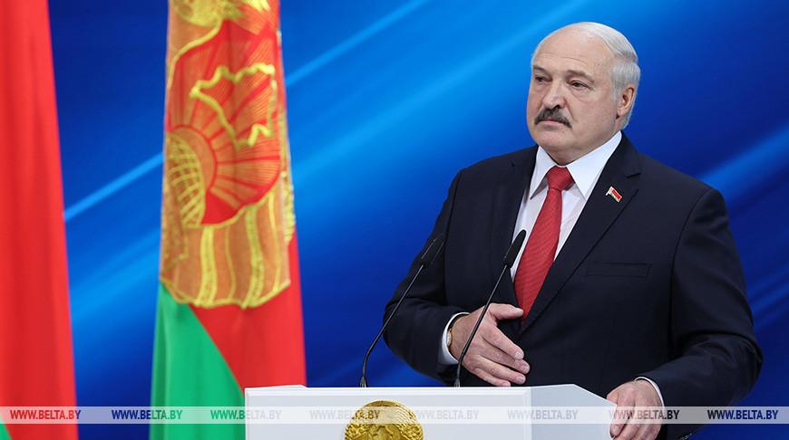 Лукашенко принял участие в торжественном собрании в честь Дня Независимости
