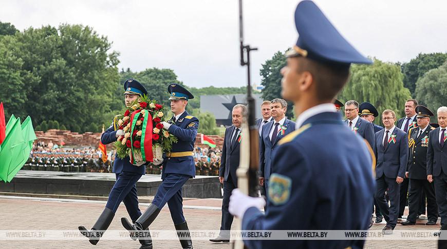 Память погибших солдат почтили в Брестской крепости