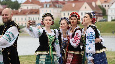 Праздничные гуляния проходят в Минске