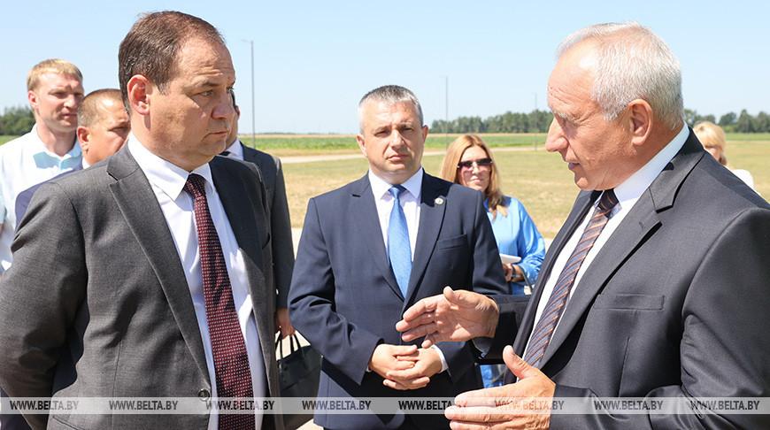Головченко ознакомился со строительством молочно-товарной фермы в Оршанском районе