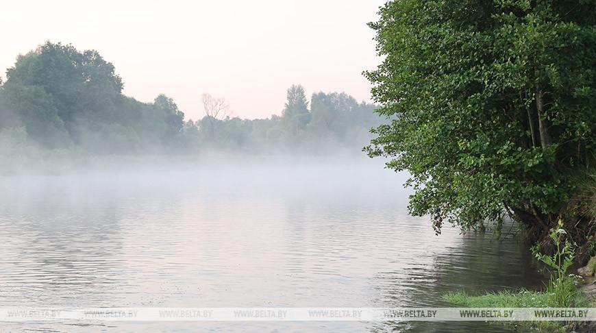 Большой популярностью среди туристов пользуется сплав на плотах по реке Птичь