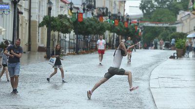 Сильный ливень залил улицы в Гродно