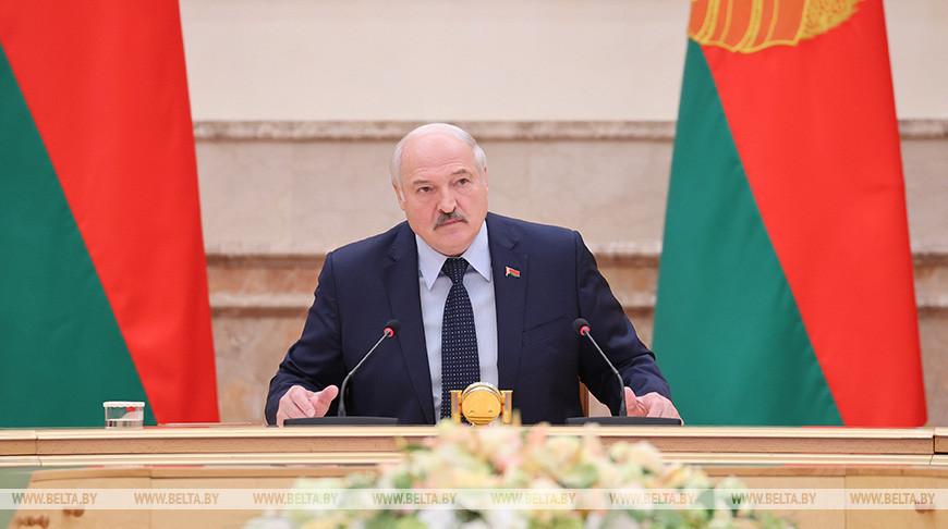 Лукашенко провел совещание по приоритетам внешней политики