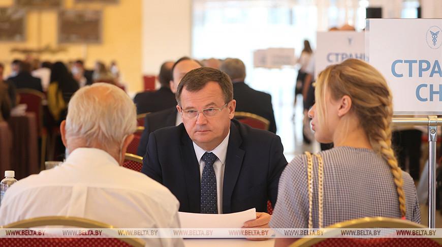 Около 200 компаний со всех регионов Беларуси принимают участие во встрече с белорусскими послами