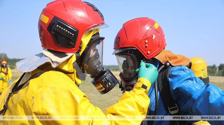 Гродненские спасатели во время учений отработали ликвидацию химического ЧП