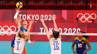 Женская сборная Бразилии по волейболу одержала победу над командой Сербии на турнире в Токио