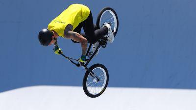 Австралиец выиграл соревнования в BMX-фристайле у мужчин на ОИ в Токио