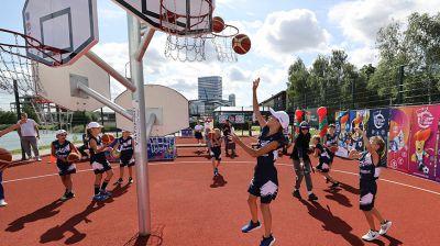 Современная баскетбольная площадка открылась в Минске