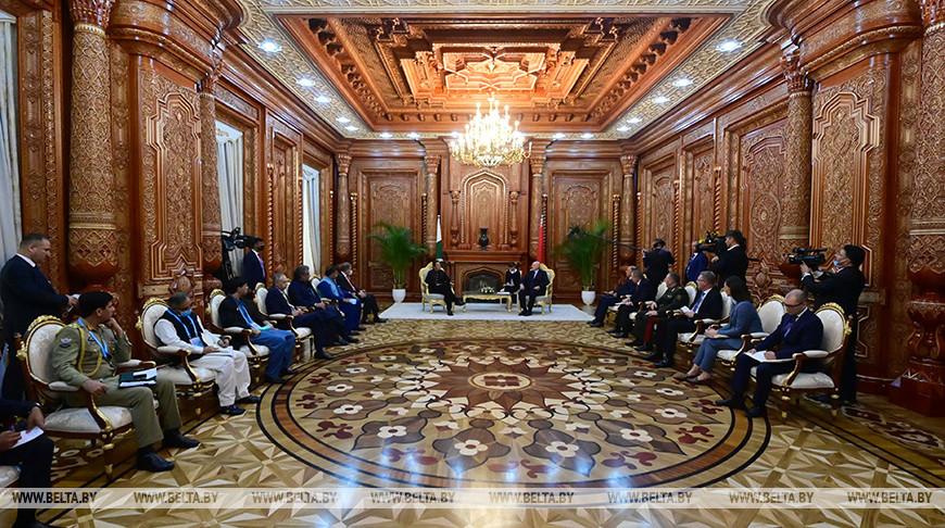 Лукашенко провел в Душанбе встречу с Имраном Ханом