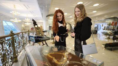 """Участницы конкурса """"Мисс Беларусь - 2021"""" посетили Дворец Независимости"""