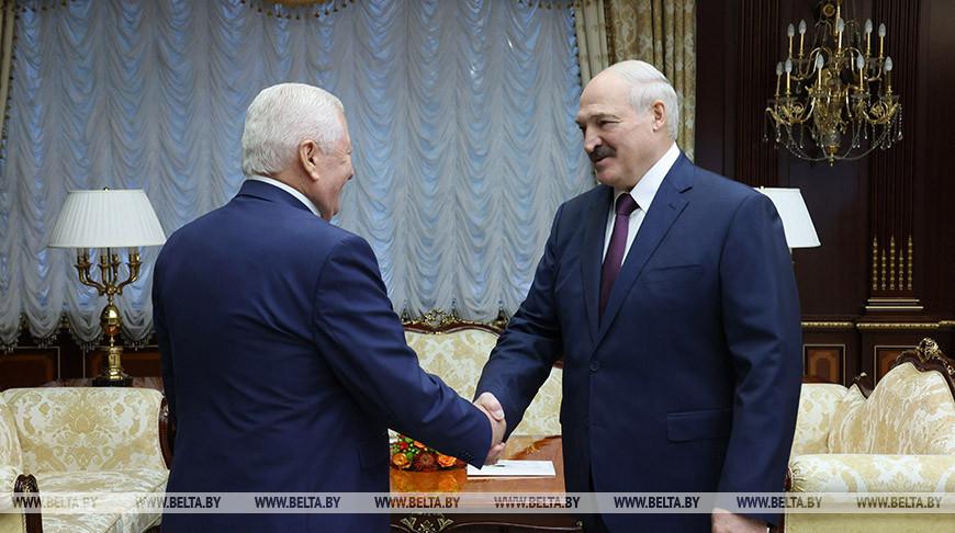 Лукашенко встретился с послом Молдовы