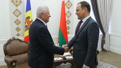 Головченко встретился с послом Молдовы
