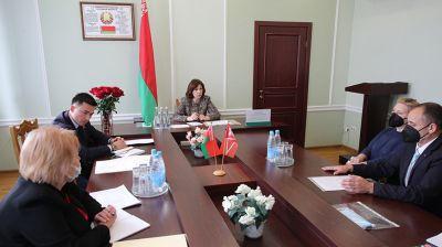Кочанова провела прием граждан в Ляховичах