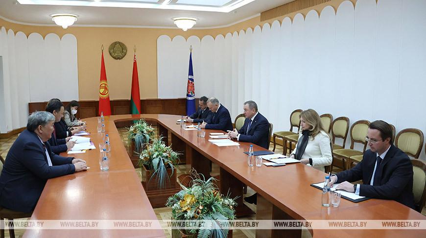Макей встретился с министром иностранных дел Кыргызстана