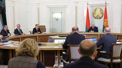 Лукашенко провел совещание по эпидемиологический ситуации