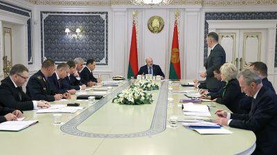 Лукашенко собрал совещание с руководством Совмина