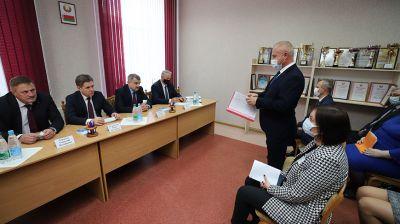 Петришенко посетил Центр обеспечения деятельности бюджетных организаций Пинска