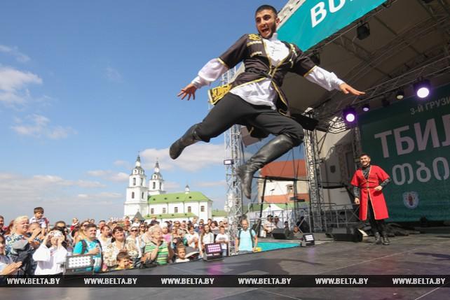 Грузия устроила грандиозный праздник в центре Минска