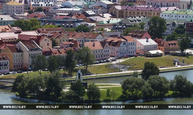 """Вид на Минск со смотровой площадки гостиницы """"Беларусь"""""""