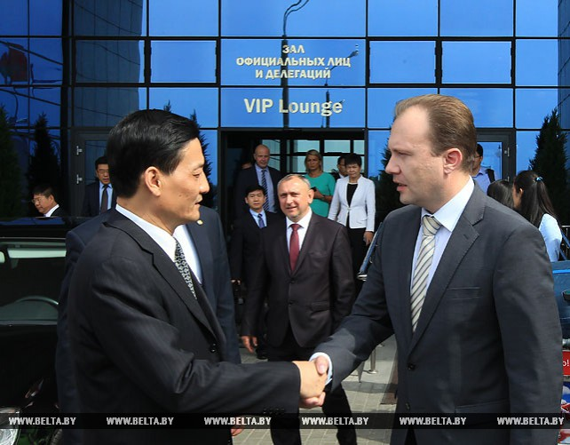 Председатель Комитета по контролю и управлению государственным имуществом при Госсовете КНР прибыл в Беларусь