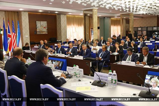 Летняя сессия ПА ОБСЕ продолжает работу в Минске