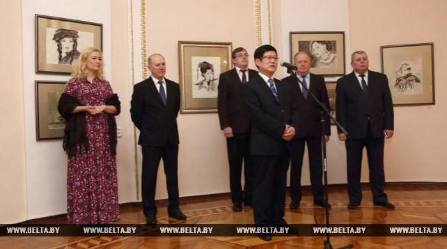 Выставка традиционной китайской живописи Марины Эльяшевич открылась в Гродно