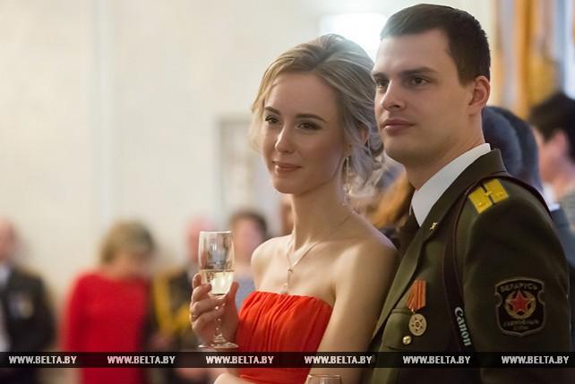 Накануне Дня защитника Отечества в Бресте прошёл праздничный офицерский бал