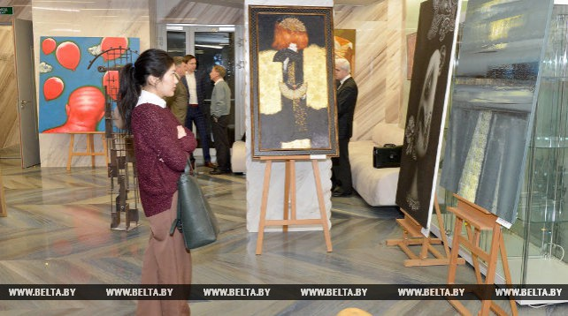 Выставка молодых белорусских художников открылась в Москве