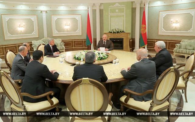 Лукашенко провел встречу с секретарями советов безопасности государств - участников ОДКБ