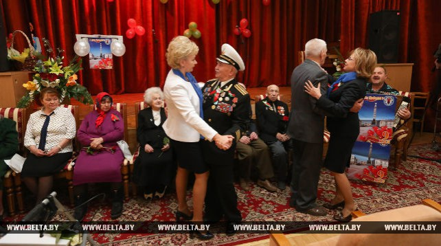 Щеткина и Костевич посетили Республиканский интернат ветеранов войны и труда