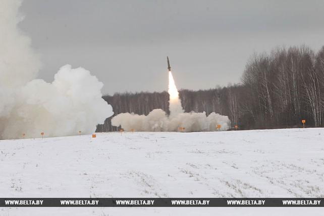 Расчеты ЗРК отрабатывают выполнение задач боевого дежурства по противовоздушной обороне