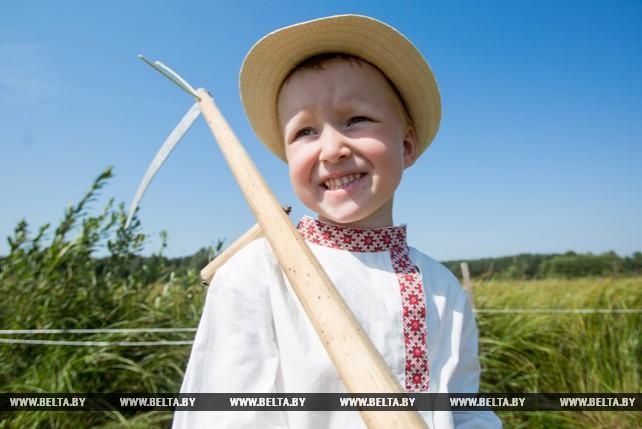 """В Березовском районе прошел экофестиваль """"Споровские сенокосы"""""""