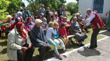 Передвижной автоклуб выезжает с концертной программой в отдаленные деревни Житковичского района