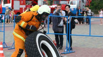 Гродненские спасатели отметили профессиональный праздник соревнованиями по кросс-фиту