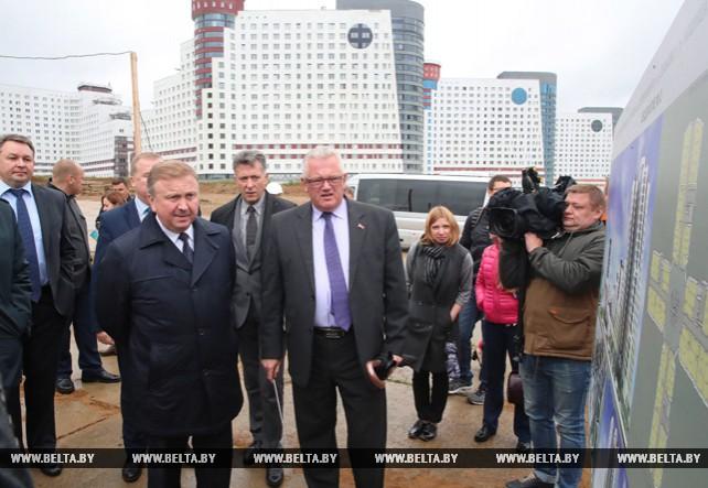 Кобяков посетил Студенческую деревню в Минске