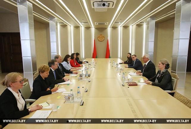Мясникович встретился с миссией МВФ