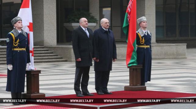 Церемония официальной встречи Президента Грузии Маргвелашвили прошла во Дворце Независимости