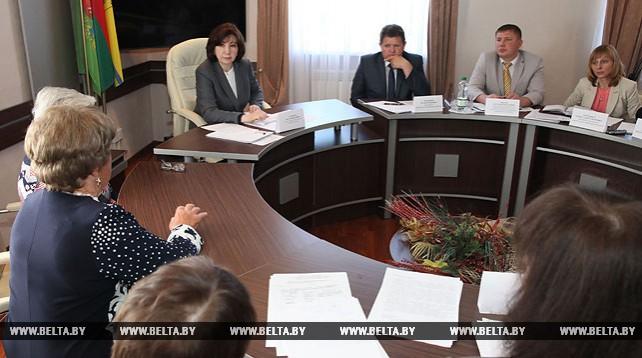 Кочанова провела прием граждан в Верхнедвинске