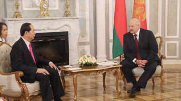 Лукашенко провел переговоры в узком составе с Президентом Вьетнама