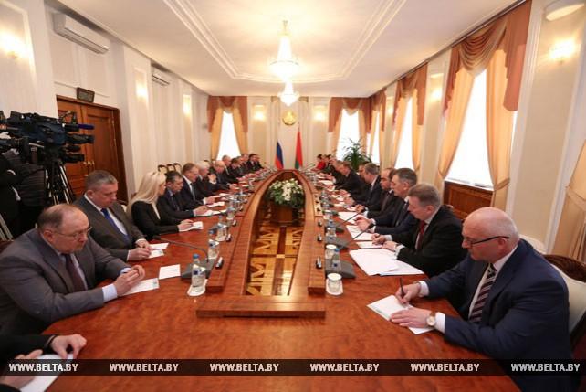 Кобяков встретился с губернатором Нижегородской области России Валерием Шанцевым