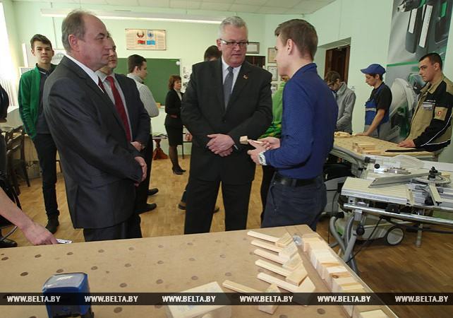 Карпенко посетил Минский государственный профессиональный лицей №12 строительства
