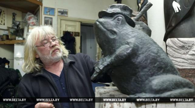 Туристы признали бронзовую лягушку-путешественницу в Гродно исполнительницей желаний