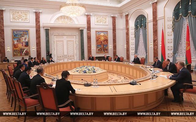 Лукашенко провел встречу с Сяо Яцином